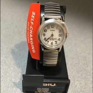 NWT - Small Solar Powered CASIO Watch